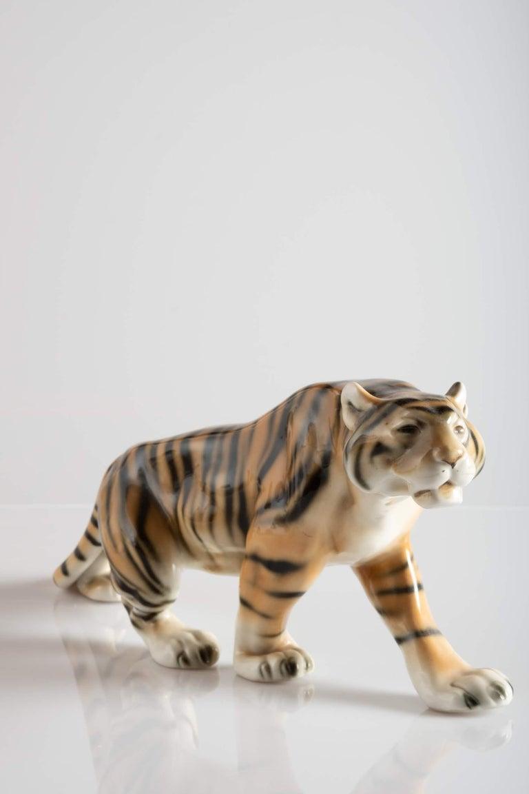 Tiger Porcelain Sculpture, Italy, circa 1950 For Sale 3