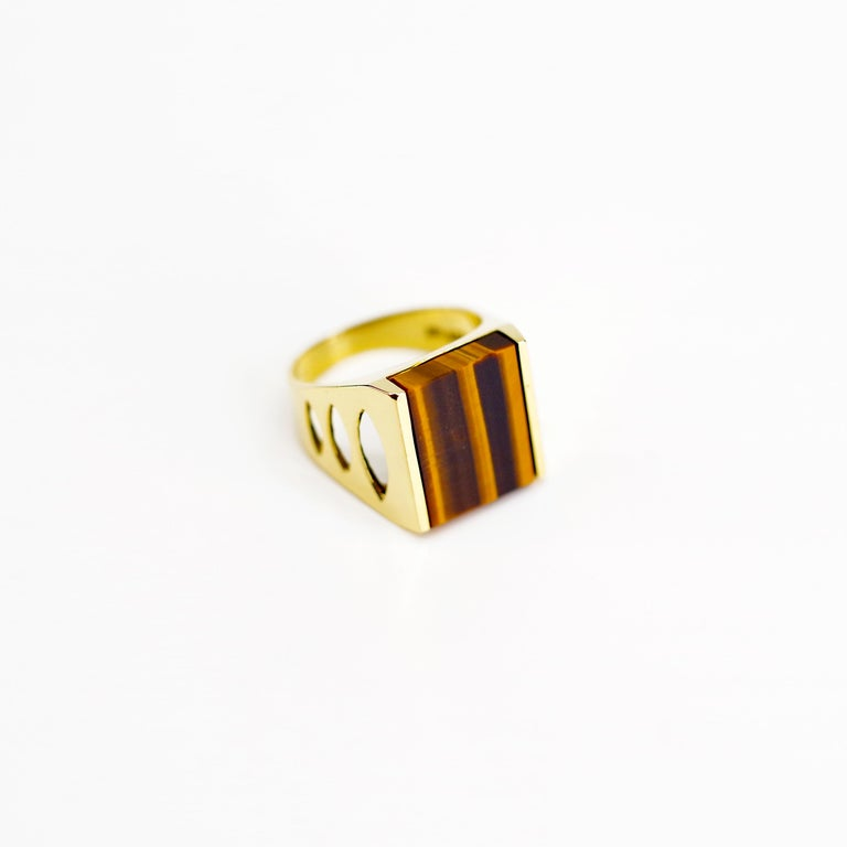 Women's or Men's Tiger's Eye Ring from Italy is Definitive 1970s Gent's Ring For Sale