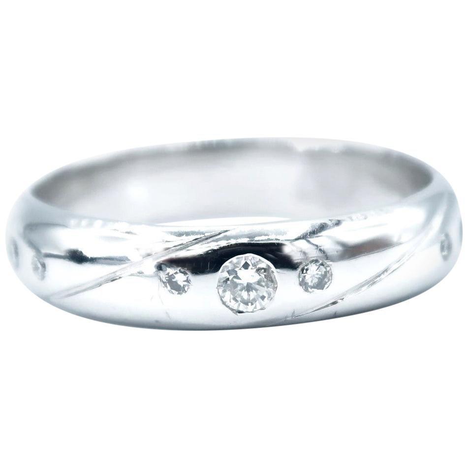 Tilted Slash Diamond Dotted 18 Karat White Gold Men's Band Ring