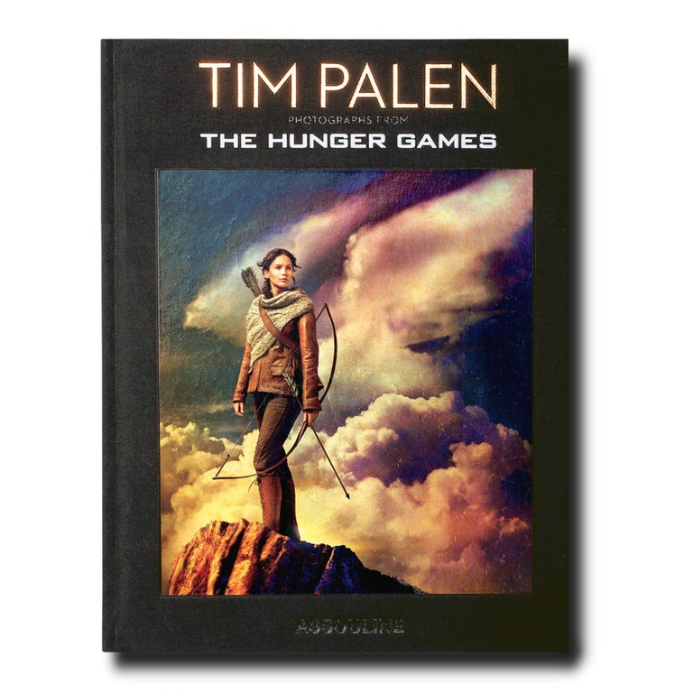 In exclusive collaboration with Lionsgate, Assouline presents Tim Palen's evocative and powerful photographs of the cast from the enormously successful series The Hunger Games. Palen is widely recognized as an industry Pioneer in creating innovative