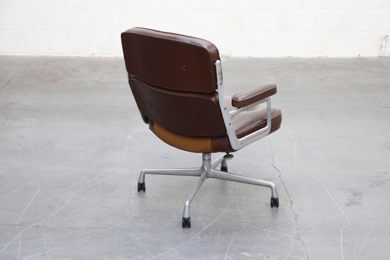 Late 20th Century Time Life Executive Desk Chairs by Charles Eames for Herman Miller, 1977, Signed
