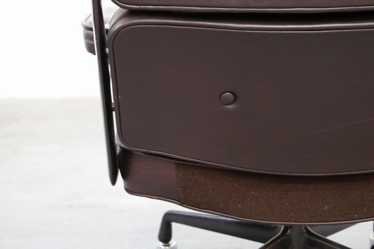 Time Life 'Lobby' Desk Chair by Charles and Ray Eames for Herman Miller, Signed For Sale 12