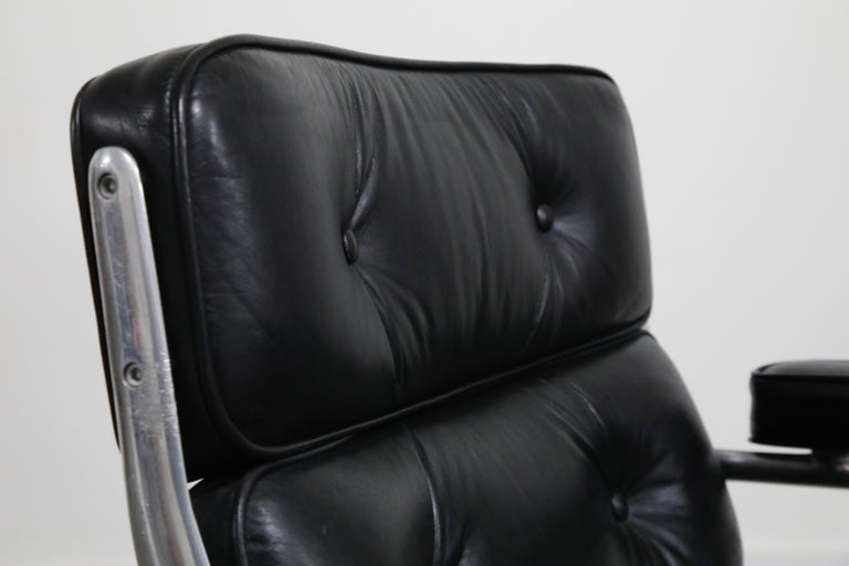 Time Life Lobby Executive Desk Chair by Charles Eames for Herman Miller, 1984 For Sale 7