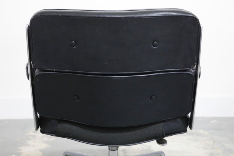 Time Life Lobby Executive Desk Chair by Charles Eames for Herman Miller, 1984 For Sale 13