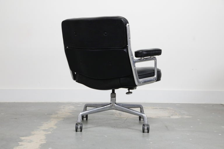 Late 20th Century Time Life Lobby Executive Desk Chair by Charles Eames for Herman Miller, 1984 For Sale