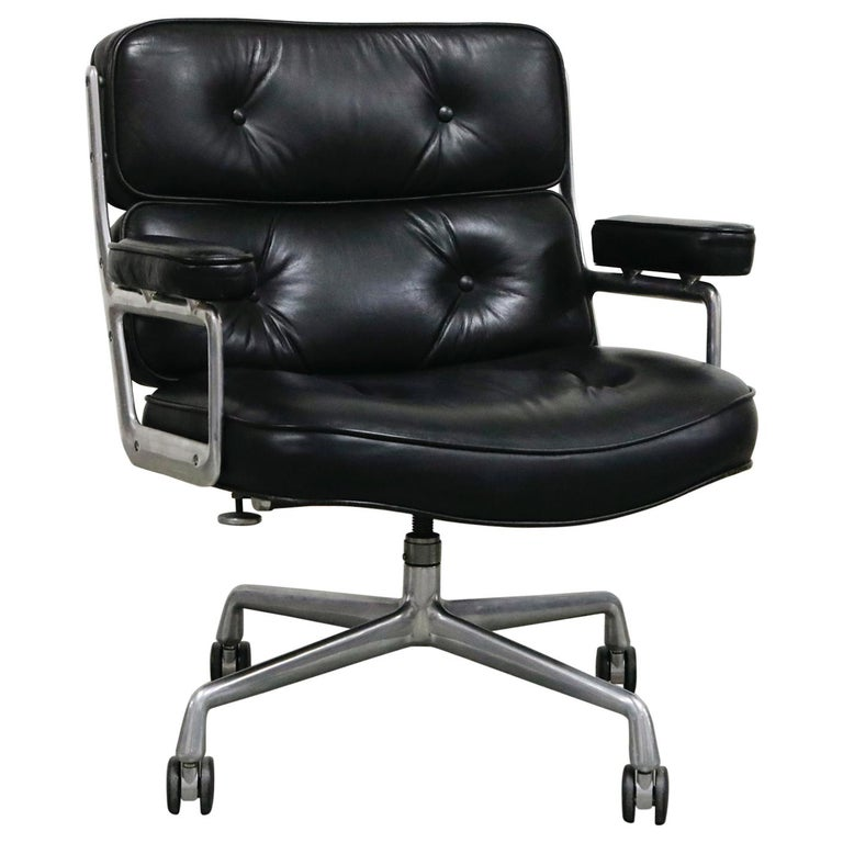 Time Life Lobby Executive Desk Chair by Charles Eames for Herman Miller, 1984 For Sale