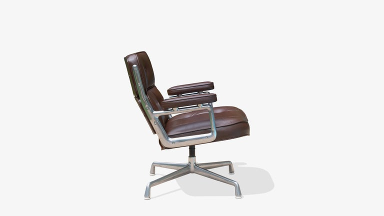 Mid-Century Modern Time-Life Lobby Lounge Chair in Leather by Charles & Ray Eames for Herman Miller For Sale