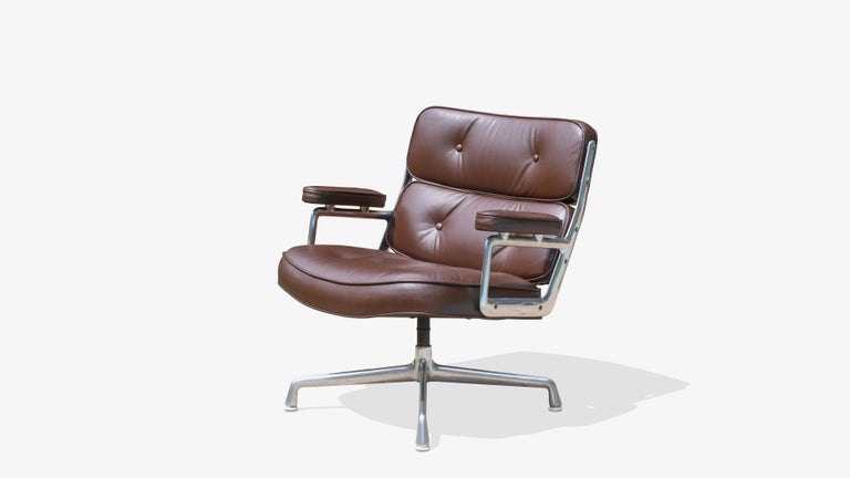 Mid-Century Modern Time-Life Lobby Lounge Chairs by Charles & Ray Eames for Herman Miller, Pair For Sale