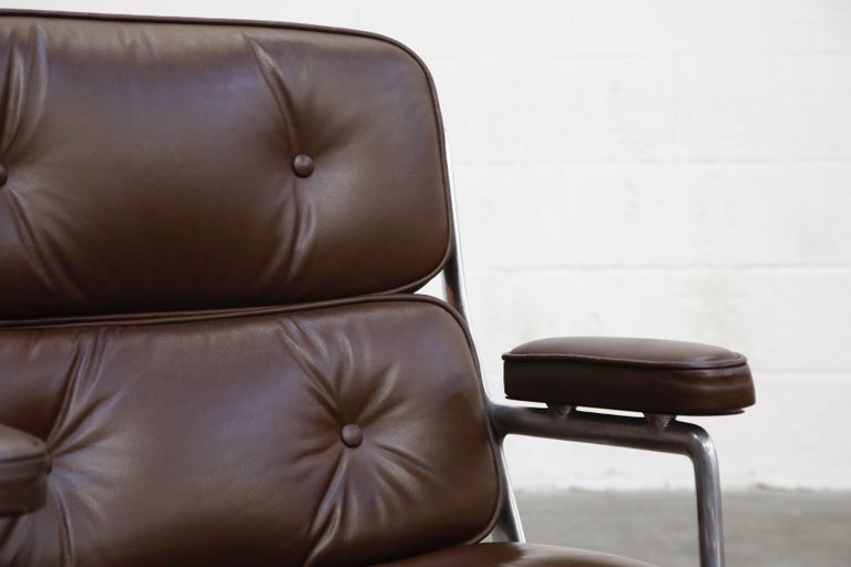 Time Life Swivel Lounge Chairs by Charles Eames for Herman Miller, 1977, Signed For Sale 5