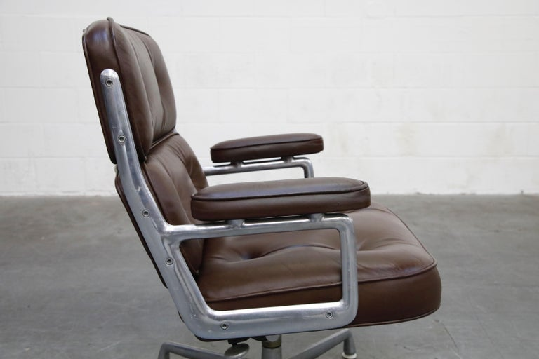 Time Life Swivel Lounge Chairs by Charles Eames for Herman Miller, 1977, Signed For Sale 9