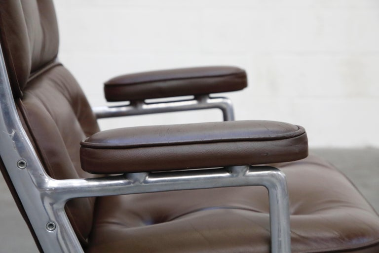 Time Life Swivel Lounge Chairs by Charles Eames for Herman Miller, 1977, Signed For Sale 10