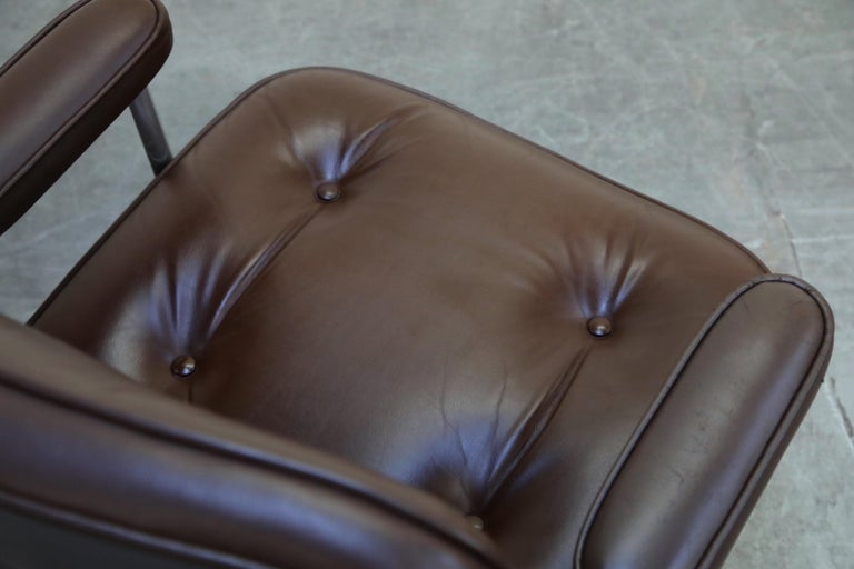 Time Life Swivel Lounge Chairs by Charles Eames for Herman Miller, 1977, Signed For Sale 11