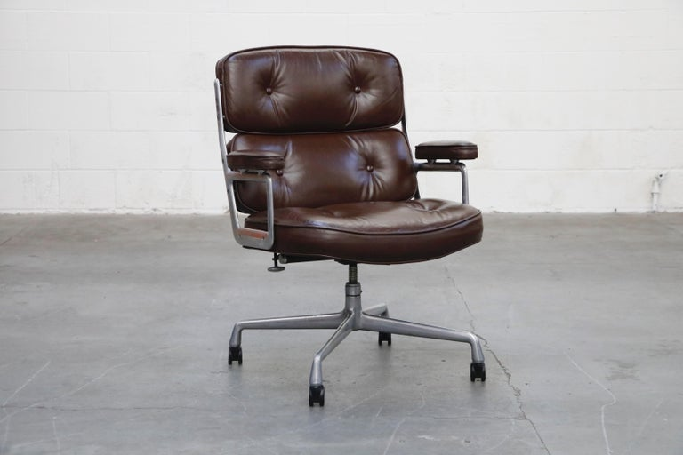 Time Life Swivel Lounge Chairs by Charles Eames for Herman Miller, 1977, Signed For Sale 13