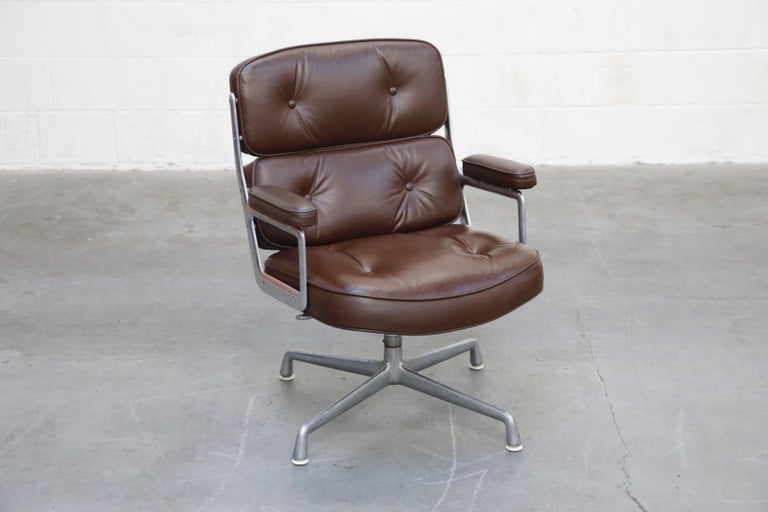 American Time Life Swivel Lounge Chairs by Charles Eames for Herman Miller, 1977, Signed For Sale