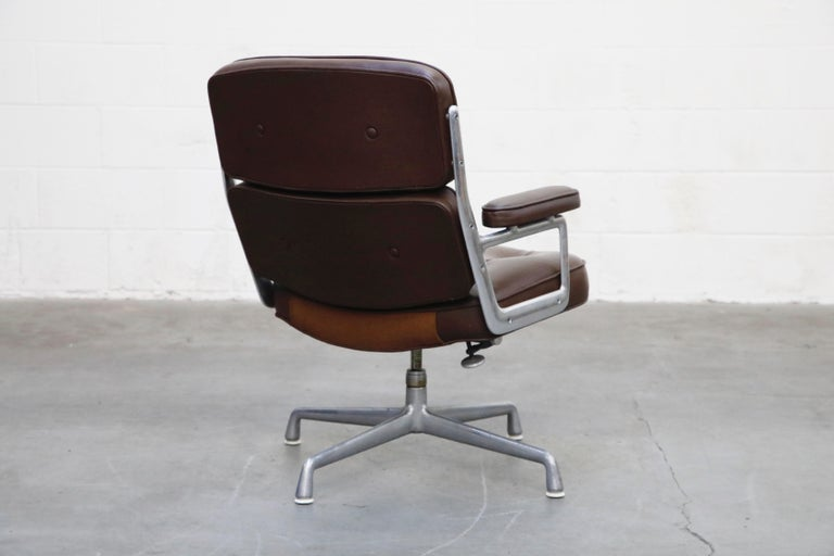 Late 20th Century Time Life Swivel Lounge Chairs by Charles Eames for Herman Miller, 1977, Signed For Sale