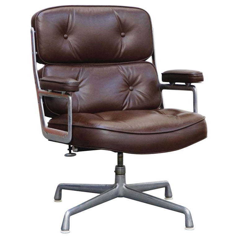 Time Life Swivel Lounge Chairs by Charles Eames for Herman Miller, 1977, Signed For Sale