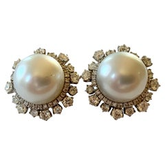 Timeless and Elegant 18 Karat White Gold South Sea Pearl Diamond Earrings