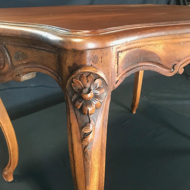 Timeless Carved French Walnut Louis XV Table or Writing Desk with One Drawer In Good Condition For Sale In Hopewell, NJ