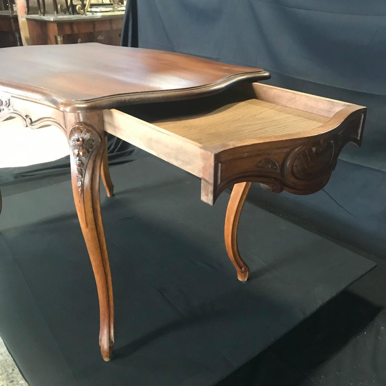 19th Century Timeless Carved French Walnut Louis XV Table or Writing Desk with One Drawer For Sale