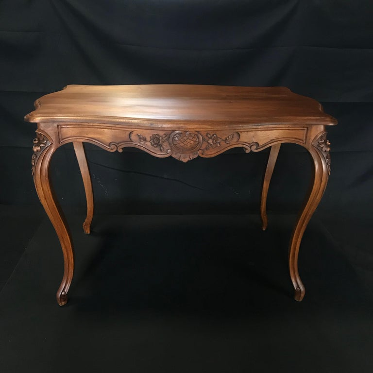 Timeless Carved French Walnut Louis XV Table or Writing Desk with One Drawer For Sale 3