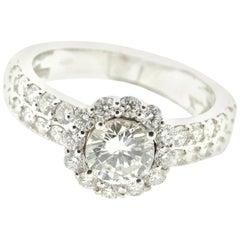 Timeless Diamond Ring in 18 Karat Gold