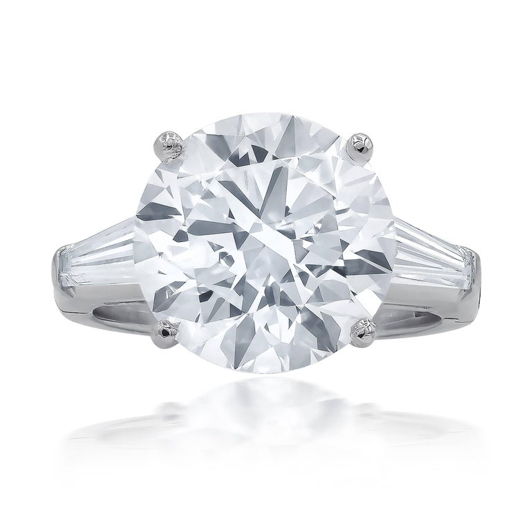 Timeless GIA Certified 7.01 Carat I-VS2 Round Cut Engagement Ring In New Condition For Sale In New York, NY