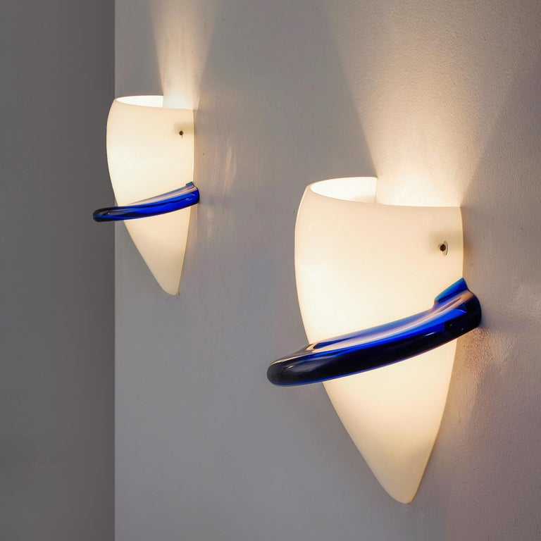 Mid-Century Modern Tina Marie Aufiero for Venini Pair of White and Blue Glass Wall Lights For Sale
