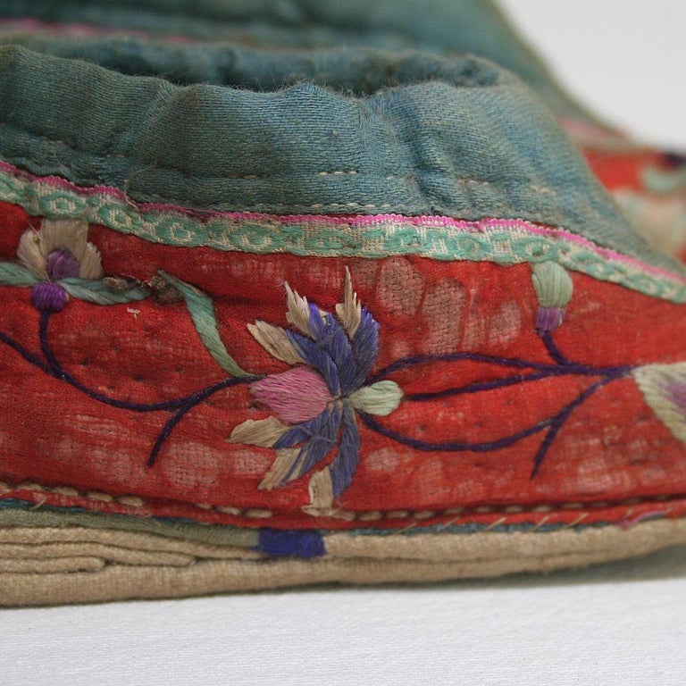 Tiny 19th Century Chinese Embroidered Women's Shoes 10