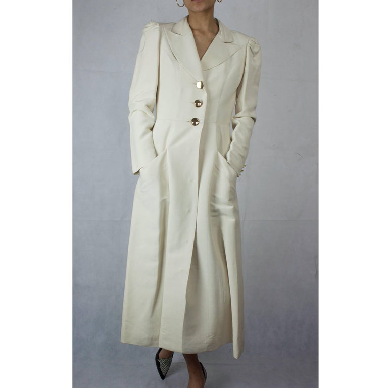 Jean Patou silk cassock style coat, circa 1960s In Excellent Condition For Sale In London, GB