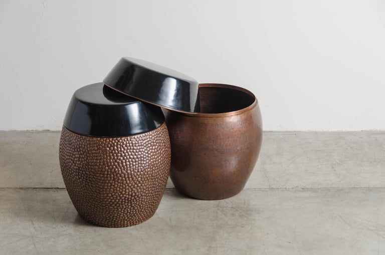 Toad Skin Barrel Storage Drum Stool, Copper and Black Lacquer by Robert Kuo For Sale 1