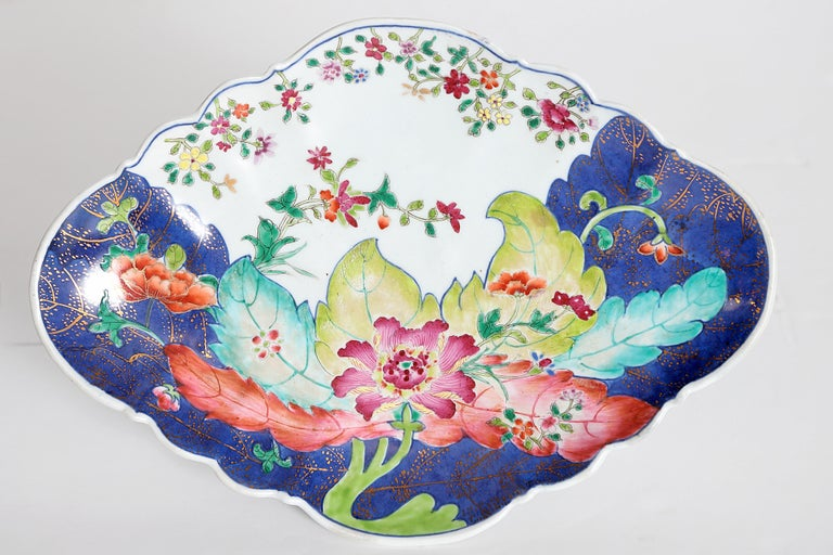 A pair of Chinese export footed serving dishes, tobacco leaf pattern, China  Measures: 2.75