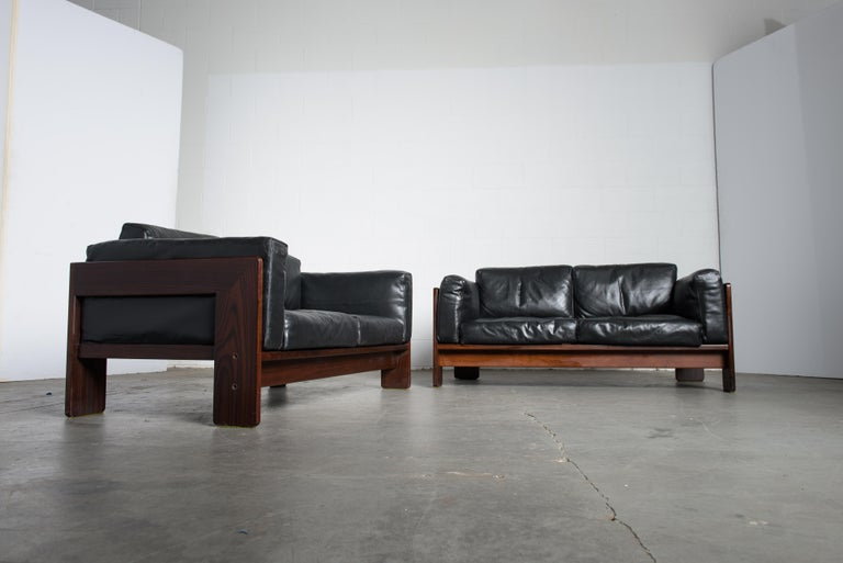 Tobia Scarpa 'Bastiano' Rosewood Loveseats for Gavina, Italy 1960s, Signed In Good Condition For Sale In Los Angeles, CA