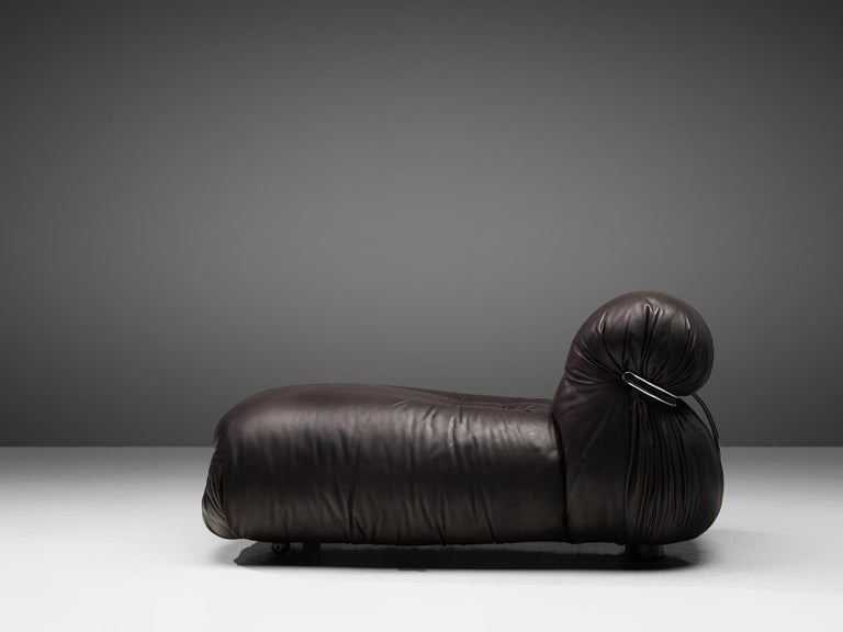Italian Tobia Scarpa for Cassina 'Soriana' Chaise Longue Chair in Dark Brown Leather For Sale
