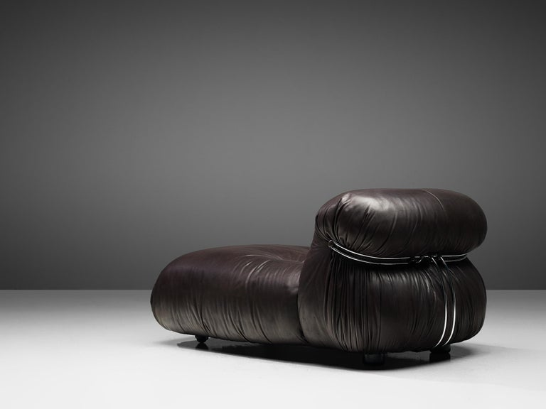 Tobia Scarpa for Cassina 'Soriana' Chaise Longue Chair in Dark Brown Leather In Good Condition For Sale In Waalwijk, NL
