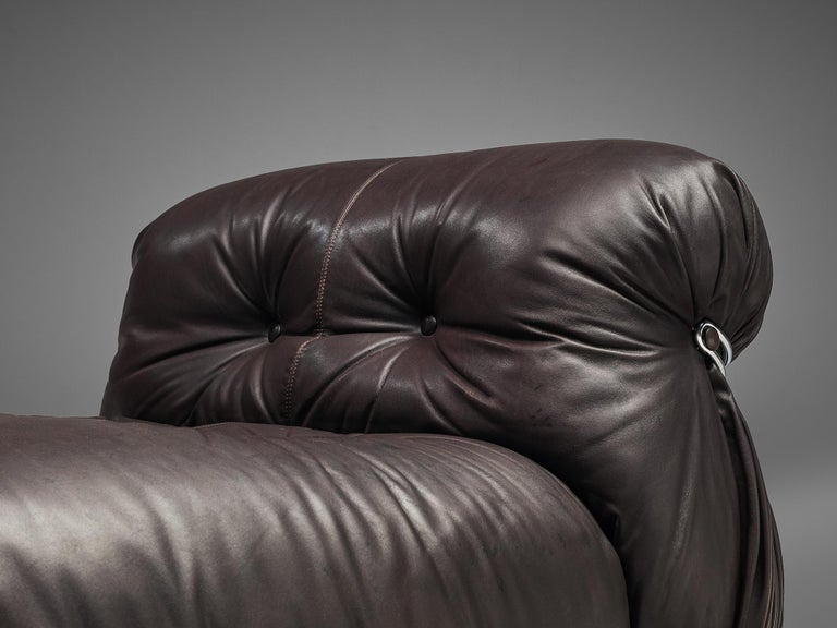 Tobia Scarpa for Cassina 'Soriana' Chaise Longue Chair in Dark Brown Leather For Sale 1