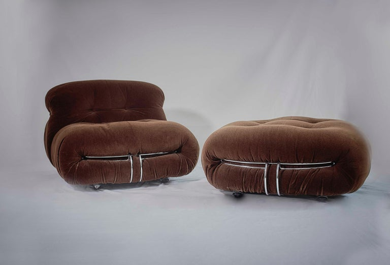 Italian Tobia Scarpa Pair of Soriana Lounge Chairs and Ottoman, Cassina, Italy, 1970 For Sale