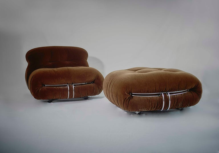 Tobia Scarpa Soriana Sofa and Pair of Lounge Chairs with Ottoman, Cassina, 1970 For Sale 3