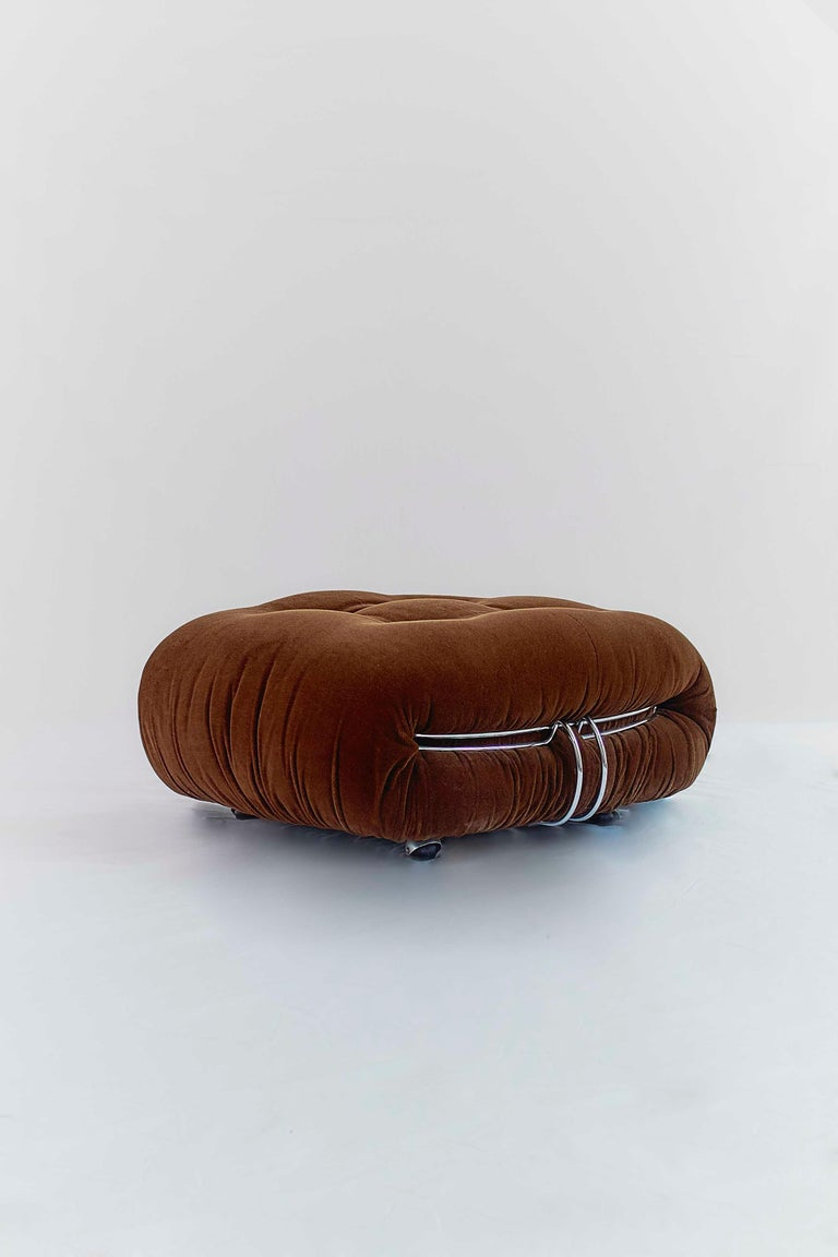 Tobia Scarpa Soriana Sofa and Pair of Lounge Chairs with Ottoman, Cassina, 1970 For Sale 5