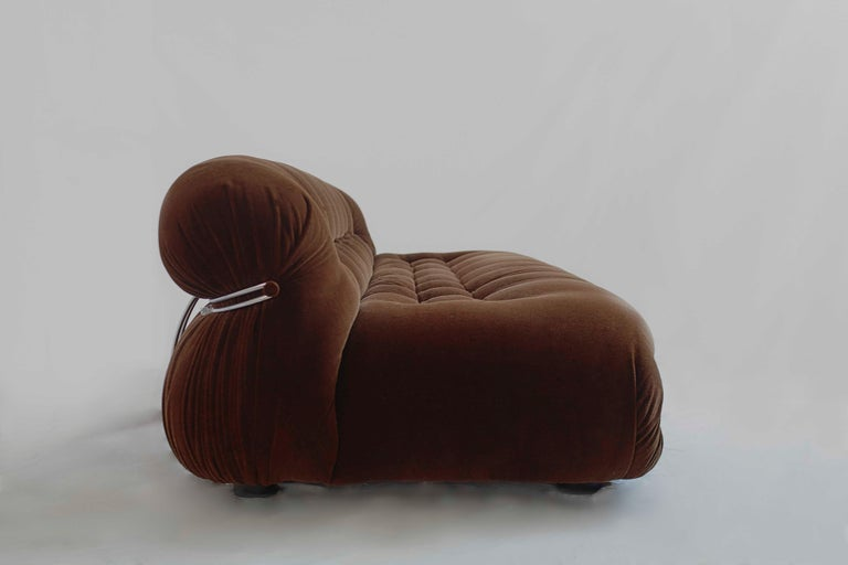Italian Tobia Scarpa Soriana Sofa and Pair of Lounge Chairs with Ottoman, Cassina, 1970 For Sale
