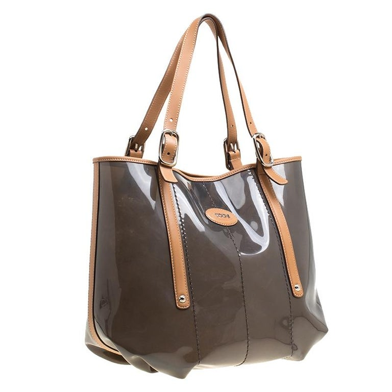 Tod's Black/Brown PVC and Leather Tote For Sale 2