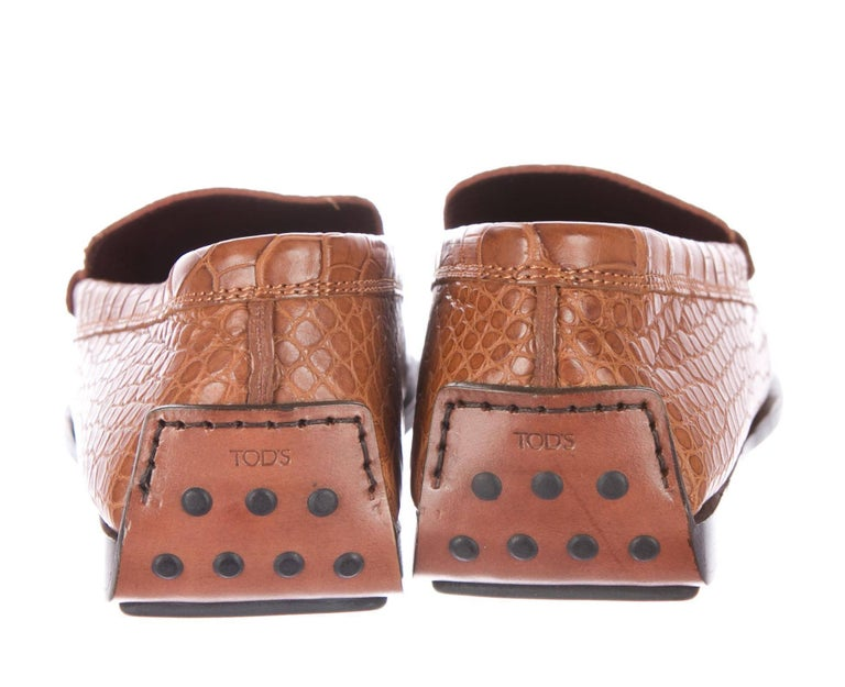 TOD'S Brown Welted Moccasins Loafers Shoes Alligator Crocodile Skin In New Condition For Sale In Switzerland, CH