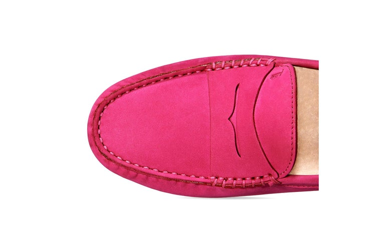 Tod's Hot Fuchsia Pink Gommino Moccasins Loafers Driving Shoes In New Condition For Sale In Switzerland, CH
