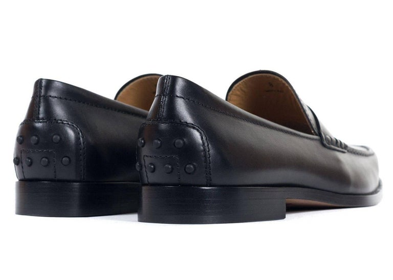 Brand New Tod's Men's Loafers Original Box & Dust Bag Included Retails in Stores & Online for $495 Size UK8 / US9  All Shoes are in UK Sizing    Tod's classic penny loafers crafted in black calfskin leather for an ultra smooth look to these shoes.