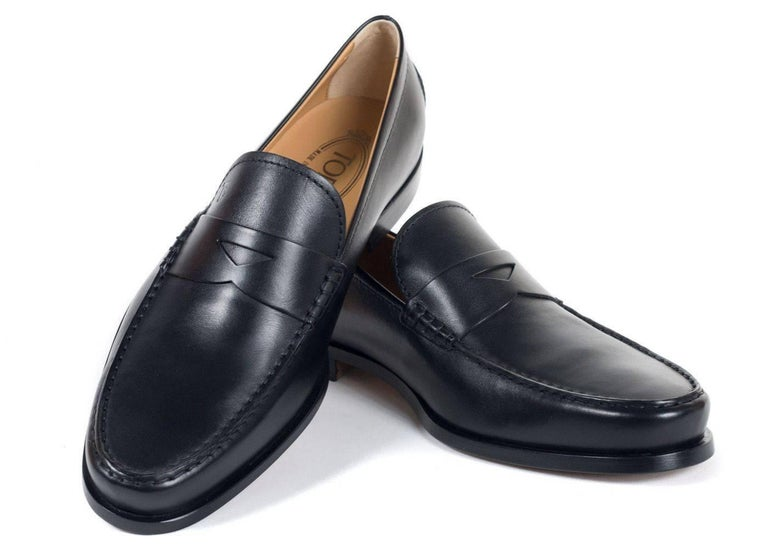 Tod's Men's Classic Black Leather Penny Loafers For Sale 1