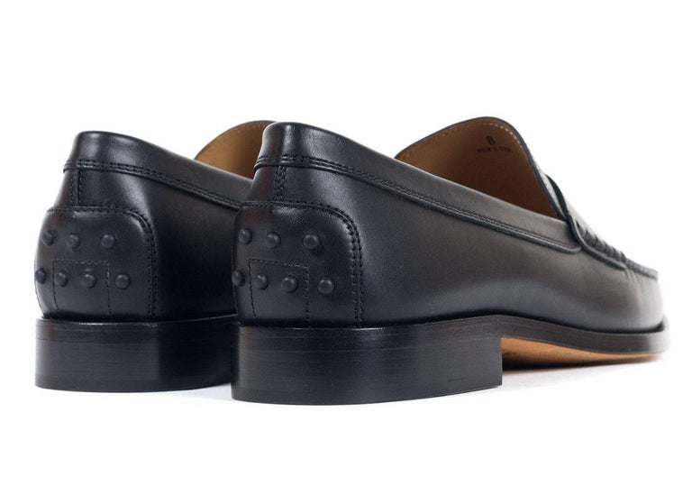 Tod's Men's Classic Black Leather Penny Loafers For Sale 2