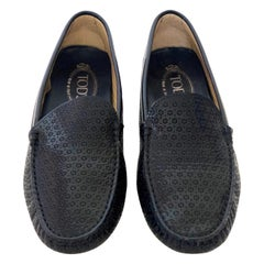 Tod's Navy Blue Patent Perforated Flower Pattern Driver / Moccasin Shoes