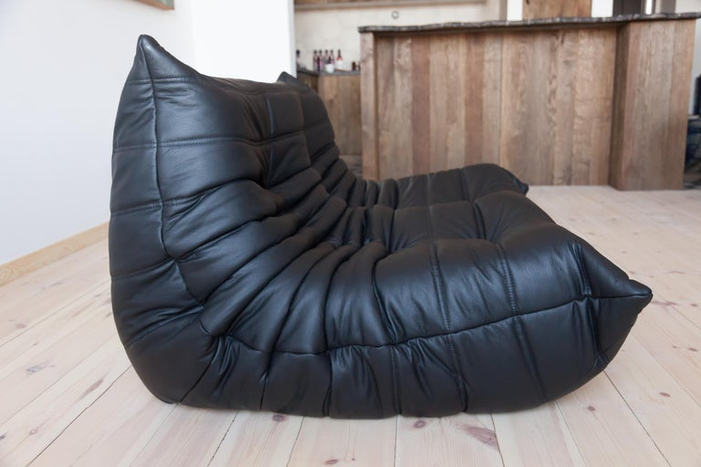 Togo 2-Seat Sofa in Black Leather by Michel Ducaroy for Ligne Roset For Sale 1
