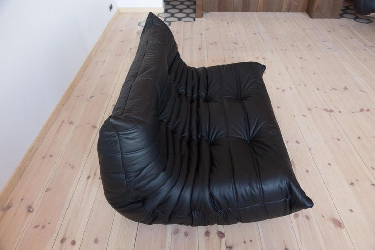 Togo 2-Seat Sofa in Black Leather by Michel Ducaroy for Ligne Roset For Sale 2