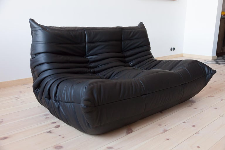 Togo 2-Seat Sofa in Black Leather by Michel Ducaroy for Ligne Roset For Sale 3