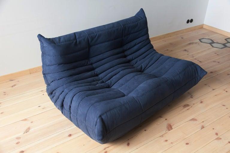 Togo 2-Seat Sofa in Dark Blue Microfibre by Michel Ducaroy for Ligne Roset For Sale 3